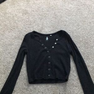 Black v-neck long sleeve crop top from pacsun